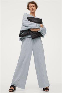 Aanbiedingen van Kleding, Schoenen & Accessoires in the H&M folder ( Nog 8 dagen )