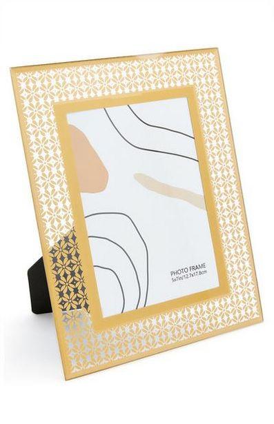 Aanbieding van Glazen fotolijst met goud-metallic print, 13 x 18 cm voor 5€